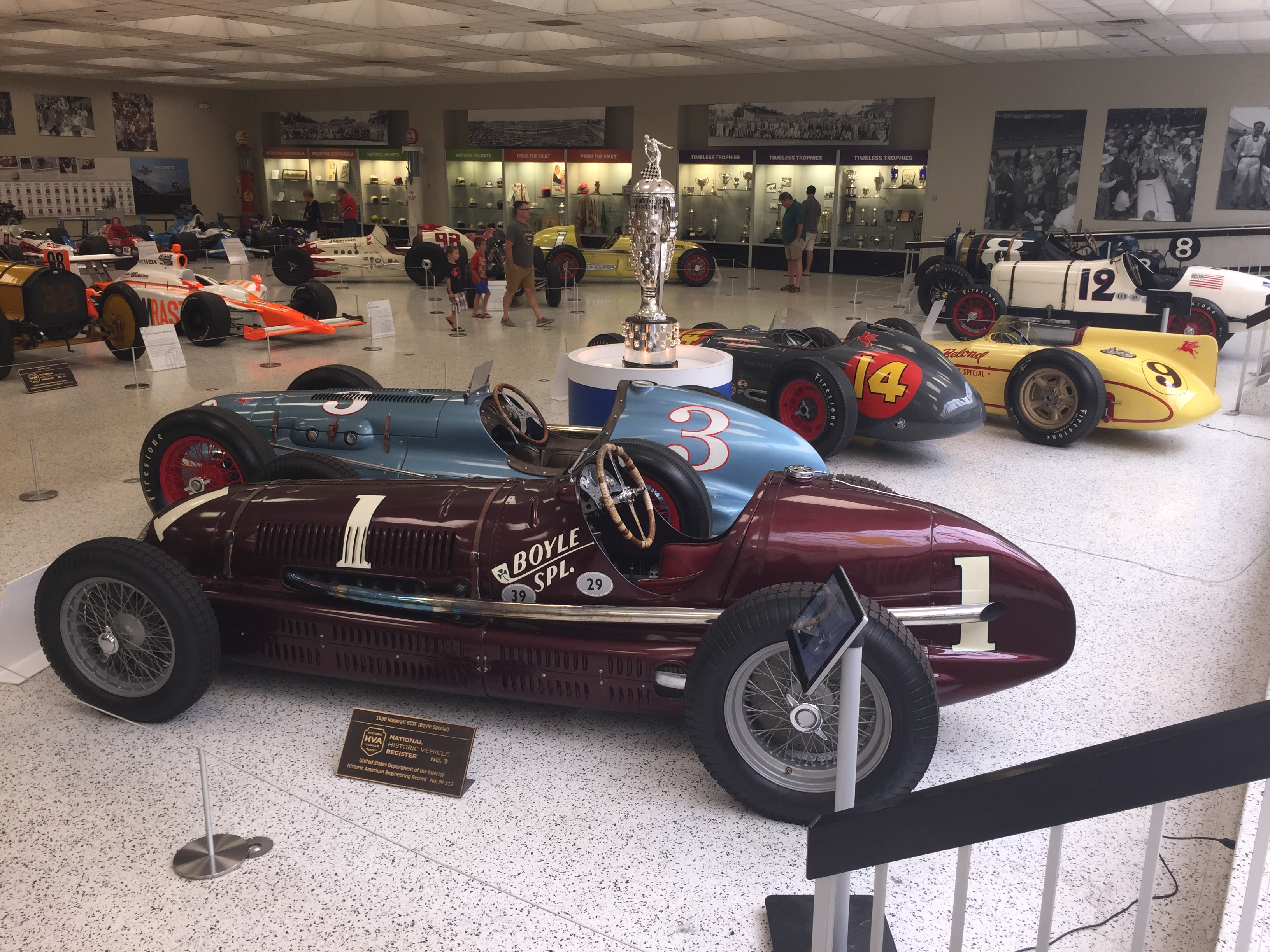 INDY MUSEUM VISIT - RACING ON THE CHEAP